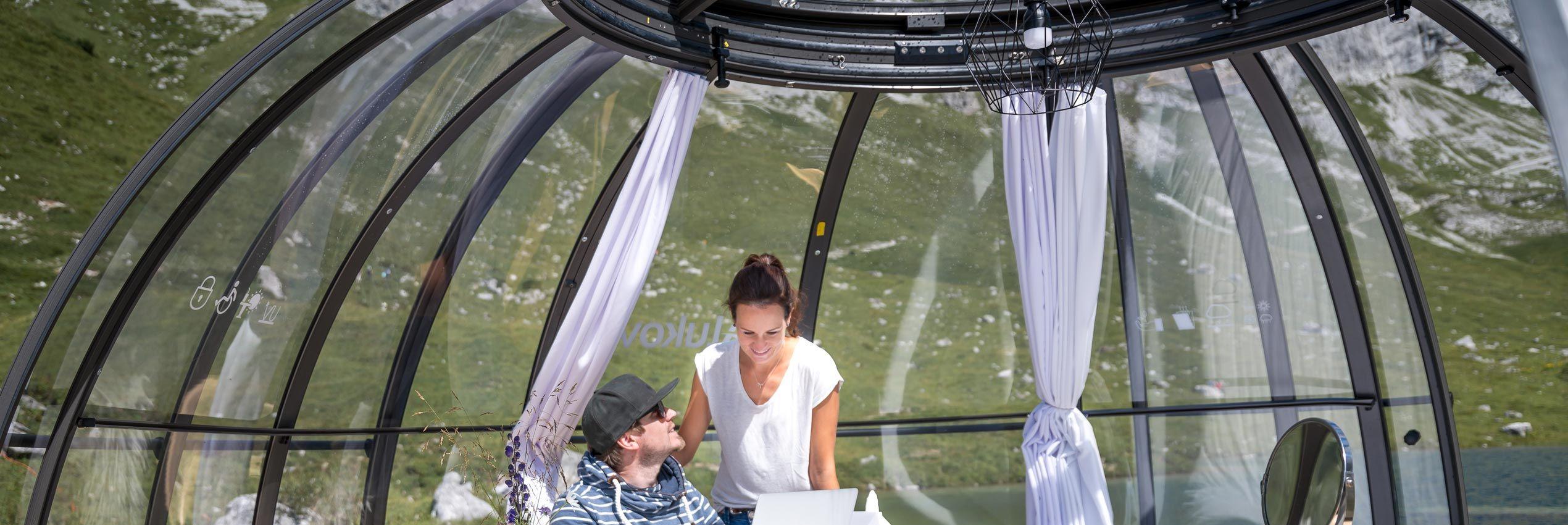Teilweise aufgeschoben verschiebbare Spaüberdachung Spa Dome Orlando