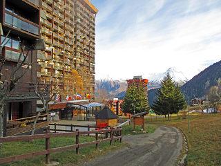 Die Schiebeüberdachung für Hotels, Restaurants oder Cafés bietet ALUKOV in einigen farblichen Ausführungen