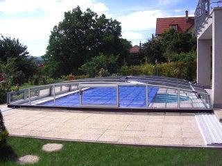 CORONA™ Poolüberdachung mit Alu-Profilen in Silber
