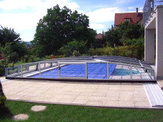 swimmingpool design ideen flachen, poolüberdachung corona von alukov | alukov.at, Design ideen