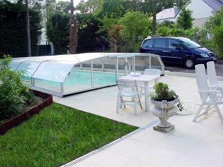 RIVIERA - kompakte Poolüberdachung ohne Schienen