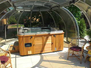 Whirlpoolüberdachung SUNHOUSE® mit transparentem Polykarbonat