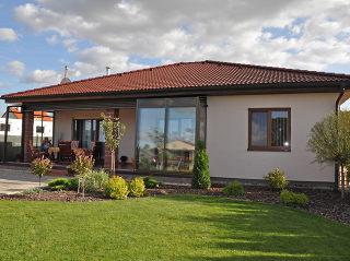 Überdachte Terrasse mit Schiebesystem CORSO