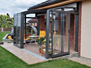Terrassenüberdachung mit kompaktem Polykarbonat