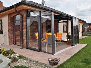 Terrassenüberdachung aus Aluminium mit durchsichtigem polykarbonat
