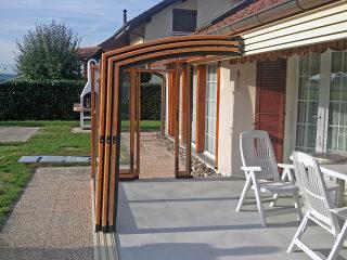 Terrassenüberdachung CORSO Premium mit Alu-Profilen im Holzdekor