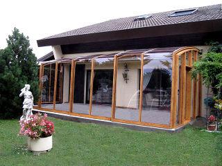 terrasseuuberdachung-corso-premium-von-alukov.jpg