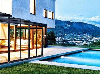 Terrassenüberdachung CORSO Glass für HORECA - Gästfreundlich