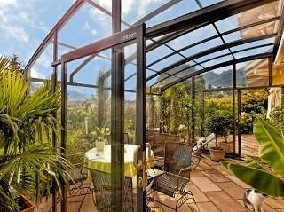 Erschaffen Sie sich Ihr eigenes Paradis wie in den Tropen mit Terrassenüberdachung Corso Premium