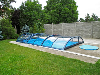 Geschlossene Pool-Überdachung Elegant