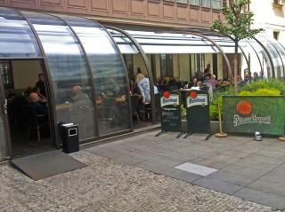 Horeca Schiebeüberdachung für Ihren Gastgarten von ALUKOV Schweiz