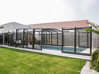 Pool-Überdachung mit hoher Linienführung Vision