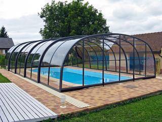 Die leicht aufschiebbare LAGUNA Poolüberdachung von ALUKOV
