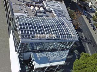 Atypische Realisation der Dachüberdachung mithilfe des Modells OCEANIC von ALUKOV