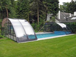 Hohe Poolüberdachung RAVENA von ALUKOV Schweiz