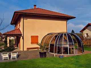 Die aufschiebbare Terrassen- oder Spaüberdachung OASIS