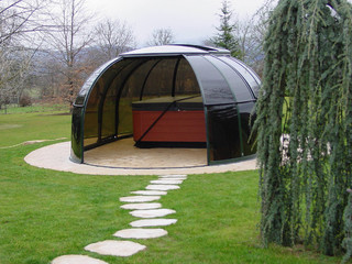 SPA SUNHOUSE® in dunkler Variante