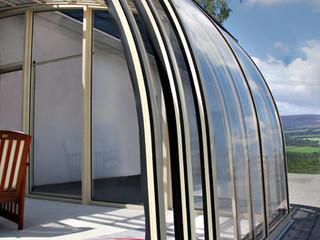 Massgefertigte Terrassenüberdachung CORSO™ Entry