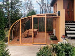 Terrassenüberdachung CORSO Entry dient als Sitzplatz in jedem Jahreszeit