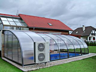 CORSO NEO™ dient perfekt als aufschiebbare Poolüberdachung