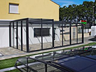 Saison-Wintergarten mit Alu-Profilen im Anthrazit enspricht dem gegenwärtigen architektonischen Trend