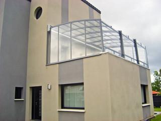 CORSO NEO™ als praktische aufschiebbare Balkonüberdachung
