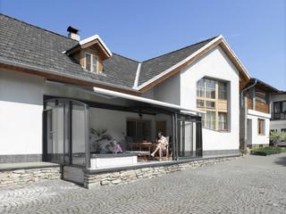 Ganz aufgeschobene Terrassenüberdachung CORSO Premium von ALUKOV