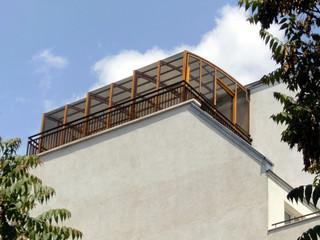 Egal wie hoch. Die Überdachung CORSO von ALUKOV mit beweglichen Segmenten kann überall stehen.