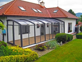 Die bewegliche Terrassenüberdachung CORSO von ALUKOV hochster Qualität