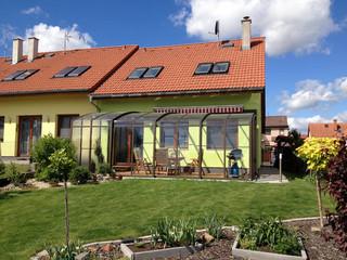 CORSO Terrassenüberdachung von ALUKOV für ganzjährige Nutzung