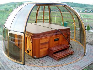 Oval hot tub enclosure SPA DOME ORLANDO by Alukov