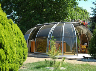 Retractable hot tub enclosure SPA SUNHOUSE