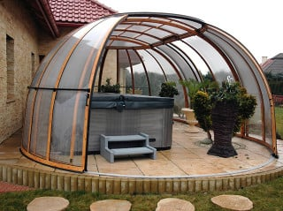 Spacious enclosure SPA SUNHOUSE can also shed your car
