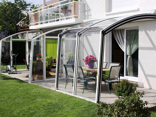 Retractable patio cover CORSO Solid by Alukov 40