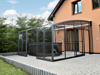 Retractable patio cover CORSO Solid by Alukov 37