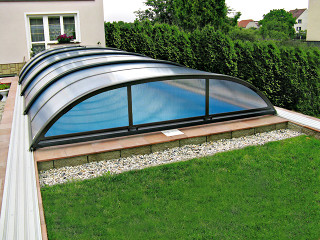 Pool cover ELEGANT with a side entrace for easy entrace to the pool