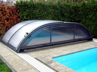 Very clean water in pool covered by ELEGANT pool cover