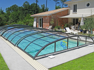 Popular woodlike imitation color used on pool enclosure ELEGANT made by Alukov