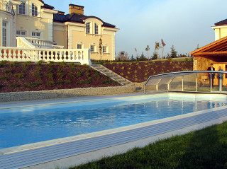 Pool cover OCEANIC increases water temperature