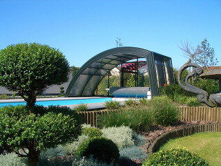 High and spacious pool enclosure RAVENA