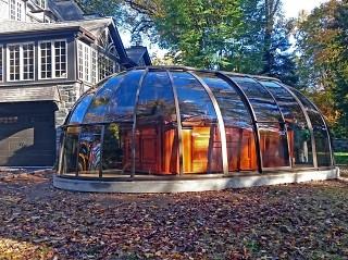 Stylish solution for hot tub enclosure Spa sunhouse