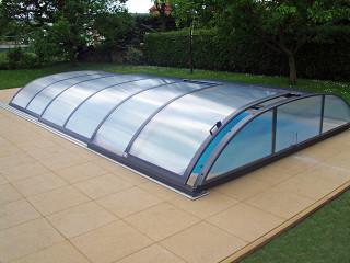 Zastřešení bazénu AZURE flat - s použitím kompaktního polykarbonátu
