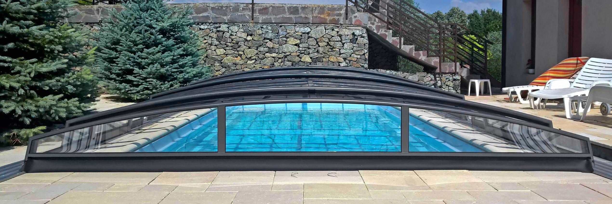 Zastřešení bazénu Azure Angle
