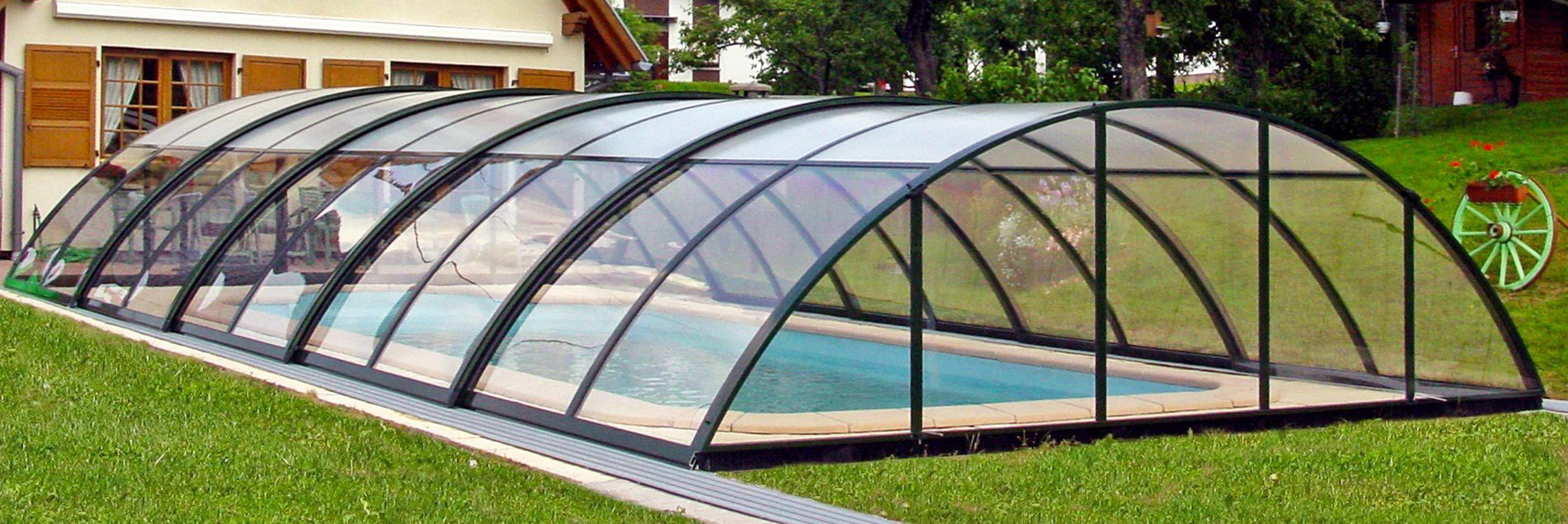 Closed retractable pool enclosure Universe Neo