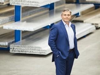 Jan Zitko je generálním ředitelem a předsedou představenstva Alukov a.s.