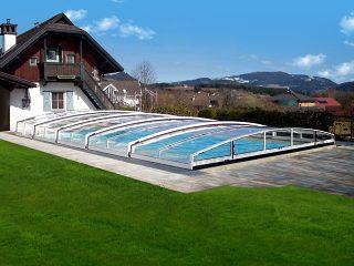 Nízké zastřešení bazénu CORONA™ v bílé barvě