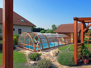 Středně vysoké bazénové zastřešení, model UNIVERSE NEO™