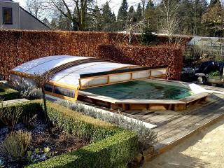 Tří segmentové zastřešení bazénu Imperia NEO v provedení dřevodekor