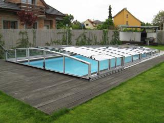 Zastřešení bazénu CORONA™ ve stříbrném provedení