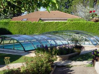 Nízké zastřešení bazénu ELEGANT s jedním vyšším segmentem